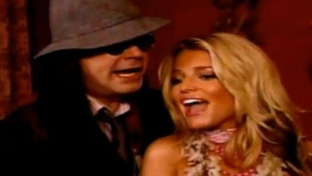 Revisiting Ozzy Osbourne and Jessica Simpson Christmas Collaboration – Producer Breaks Silence
