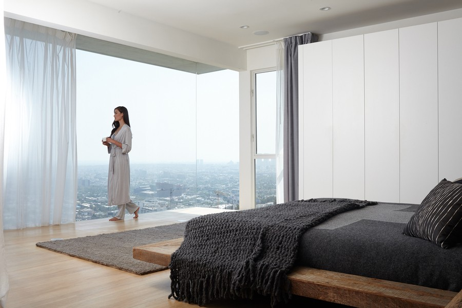 smart-home-possibilities-creating-a-luxury-bedroom